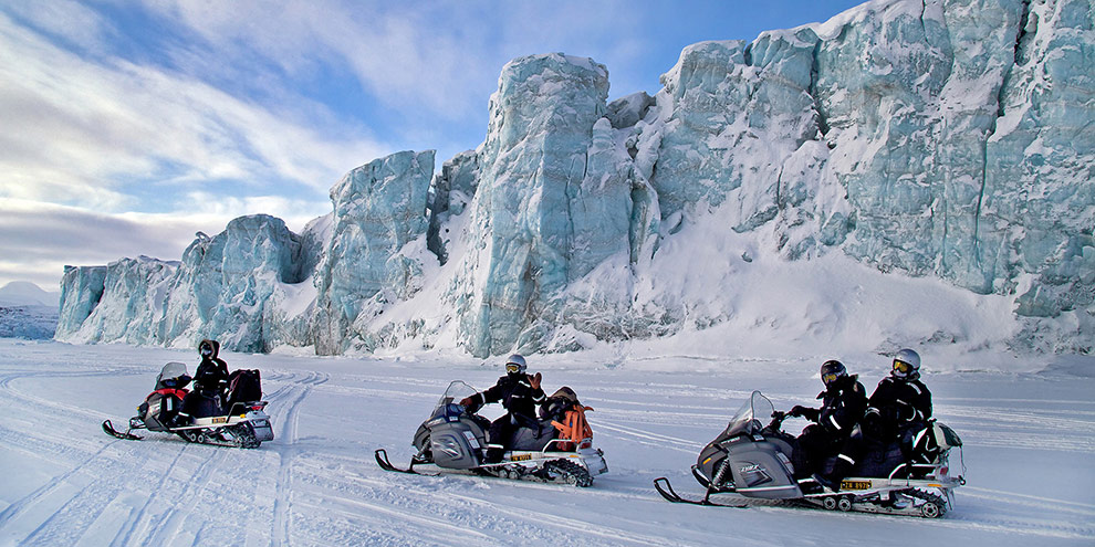 snowmobile_safari_svalbard_norway